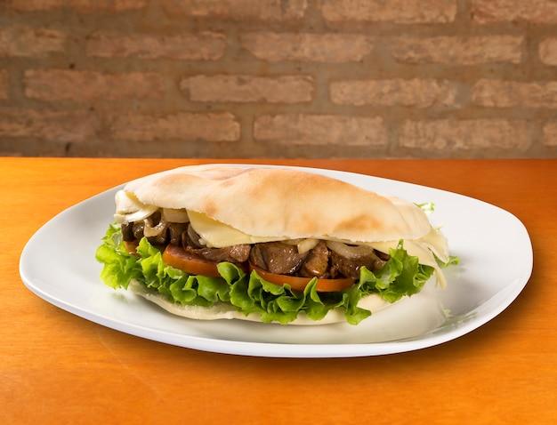The beirut - een braziliaanse sandwich.