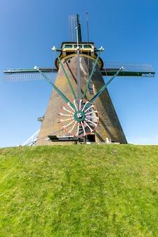 The guardian of the galaxy om de nederlanders te beschermen tegen een overstroming