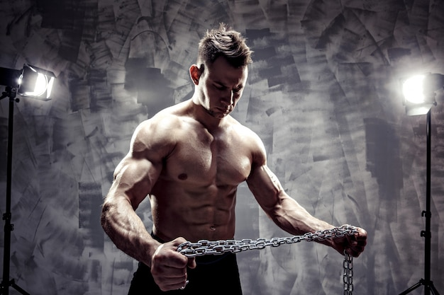 The perfect mannelijk lichaam - awesome bodybuilder poseren