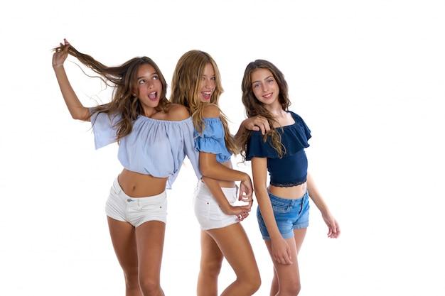 Thee teen beste vrienden meisjes gelukkig samen