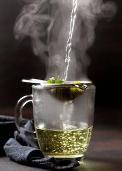 Thee winterdrank met hete stoom