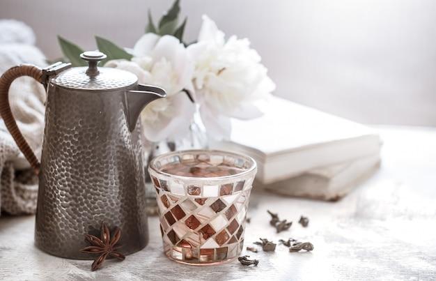 Theeceremonie, thee in een glas