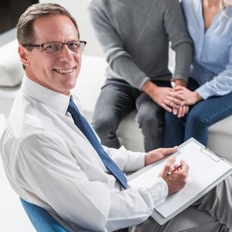 Therapeut met stel