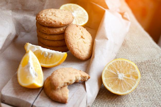 Thuis gemaakte citroenkoekjes