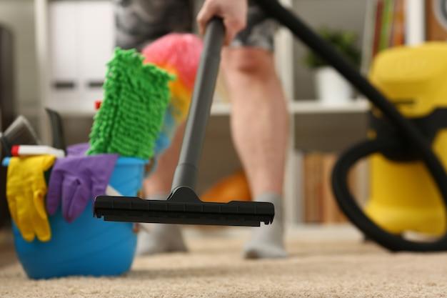Thuiszorg voor tapijtstofzuiger tegen vuil en levensstijl