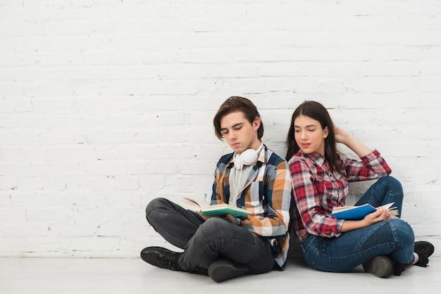 Tieners lezen