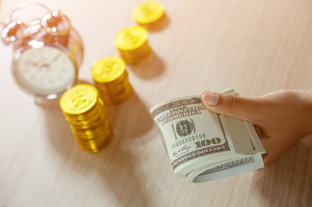 Tijd, besparing, tijd is geld. tijd om te groeien