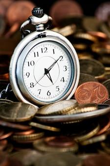 Tijd is geldconcept