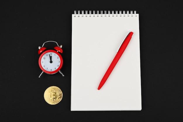 Tijd om bitcoin te kopen of verkopen. crypto, concept business, idee.