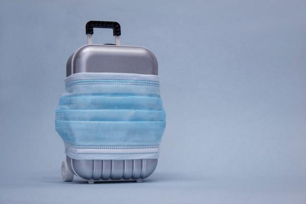 Tijd om te reizen. het concept van veilige rust tijdens een pandemie covid-19