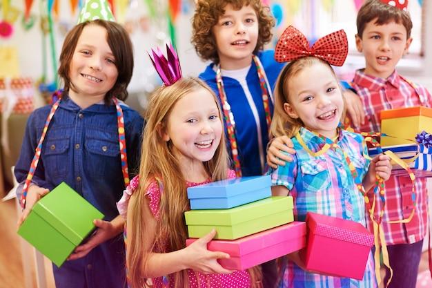 Tijd om verjaardagscadeautjes te openen