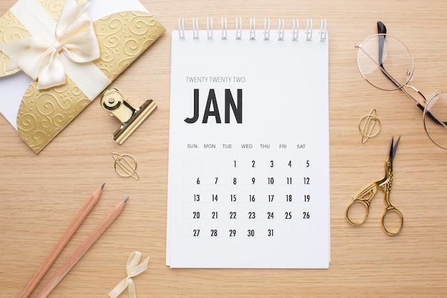 Tijdorganisatieconcept met kalenderbovenaanzicht