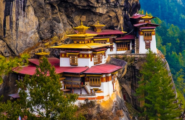 Tijgerklooster in paro bhutan