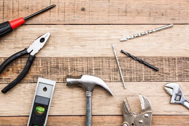Timmermanshulpmiddel voor houtbewerkende hamerboor en enz. voor met de hand bouw, materiaal voor de houtindustrie op hout