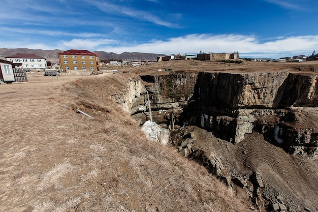 Tobot-waterval. canion van khunzakh. rusland republiek dagestan