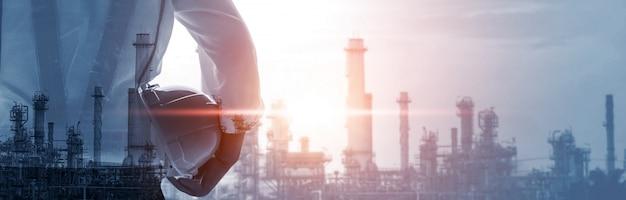 Toekomstige fabrieksinstallatie en energie-industrie concept.