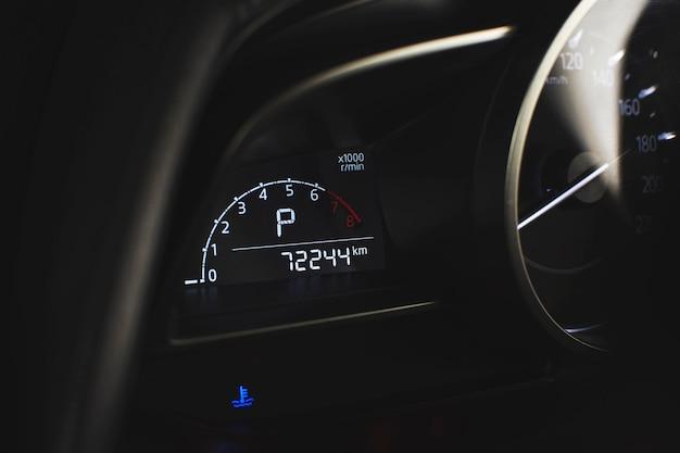 Toerenteller digitale meter en temperatuurwaarschuwingslicht