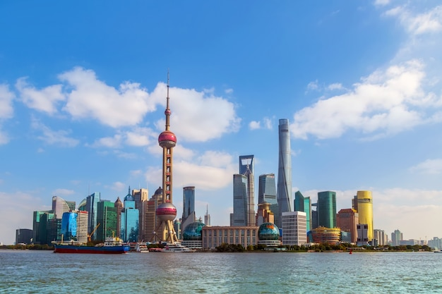 Toerisme blauwe hemel reis wolkenkrabbers shanghai
