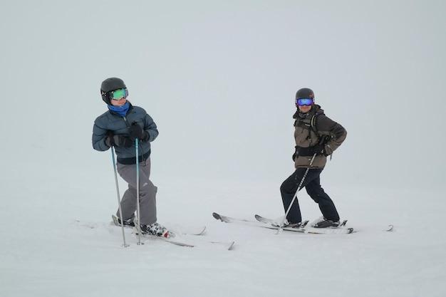 Toeristen skiën, whistler blackcomb, vancouver, british columbia, canada