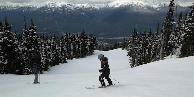 Toeristen skiën, whistler, british columbia, canada