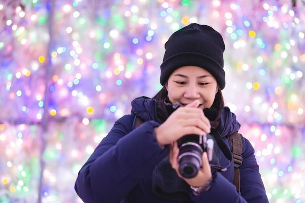 Toeristenvrouw in wintertijd