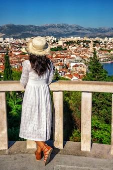 Toeristische reizen in split in dalmatië, kroatië.