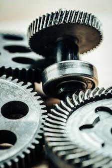Toestellen van een oude industriële machine