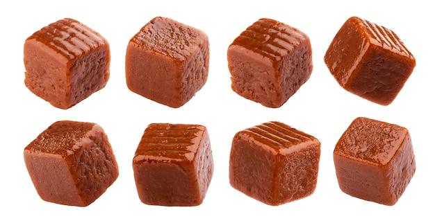 Toffee snoep, vierkante karamel snoep geïsoleerd op een witte achtergrond met uitknippad, collection