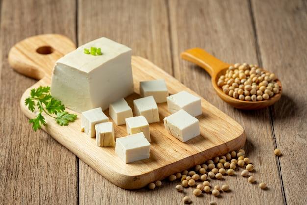 Tofu gemaakt van sojabonen voedsel voedingsconcept.