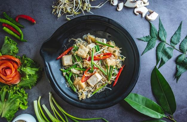 Tofu met taugé