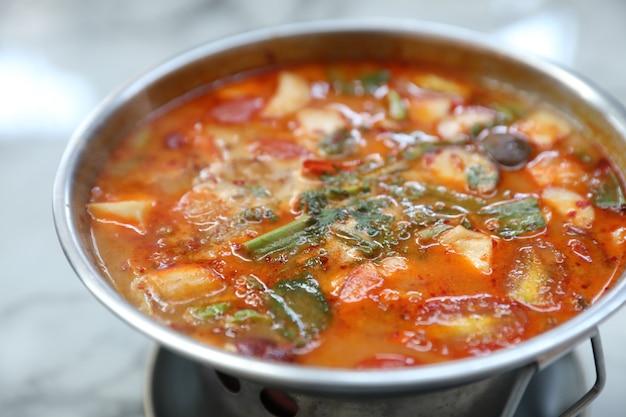 Tom yum goong pittige zure soep
