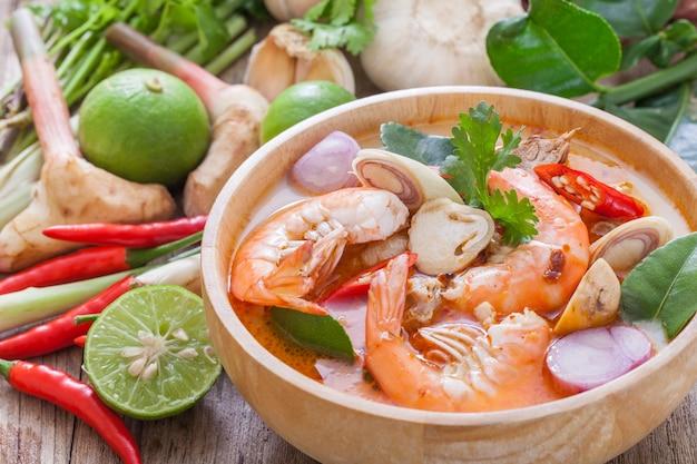 Tom yum goong, thais eten