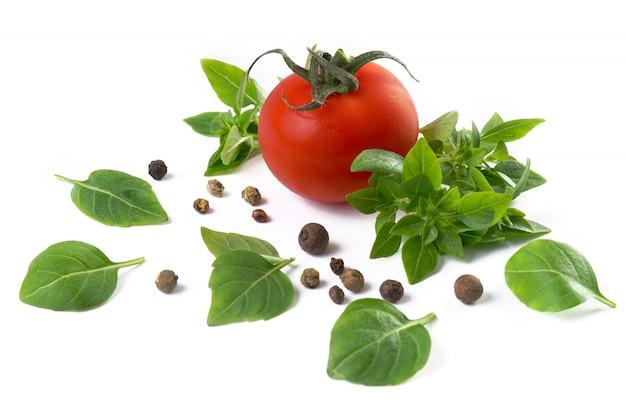 Tomaat, basilicum en zwarte peper
