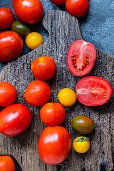 Tomaat verse rijpe groenten voor salade