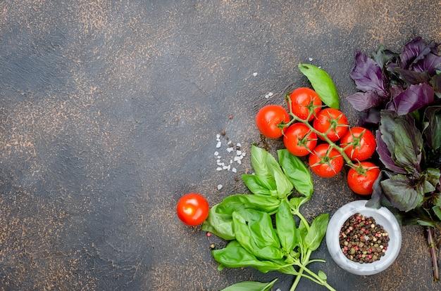 Tomaten, basilicum en peper kruiden