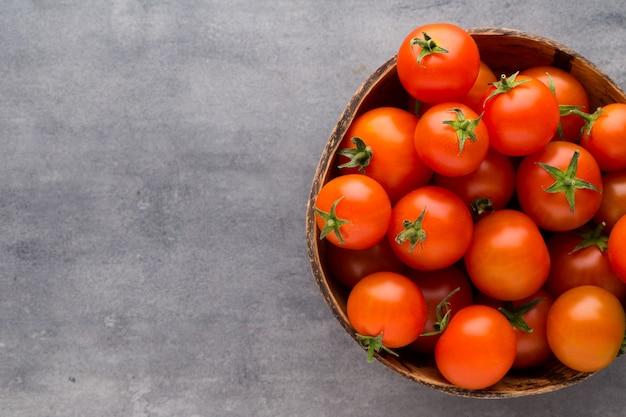 Tomaten in een mand