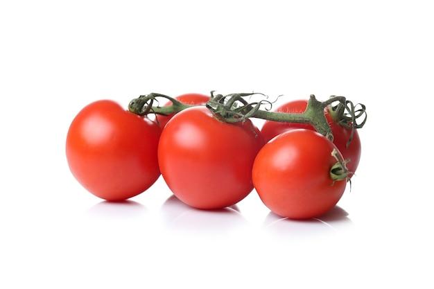 Tomaten op een wit oppervlak