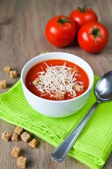 Tomatensoep met parmezaan