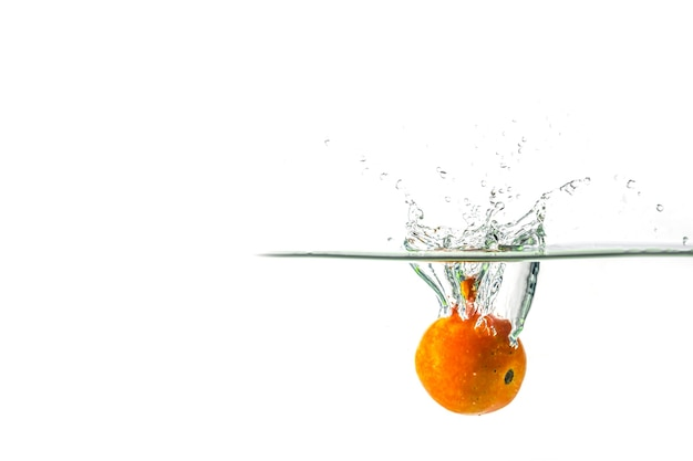 Tomatenwater splash op wit