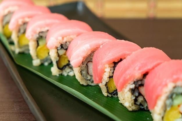 Tonijn sushi roll - japans eten