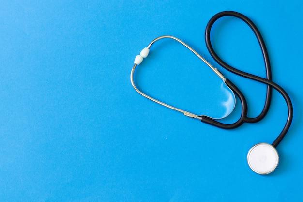 Tonometer en een manometer, stethoscoop voor diagnose en meting van bloeddruk en hartslag