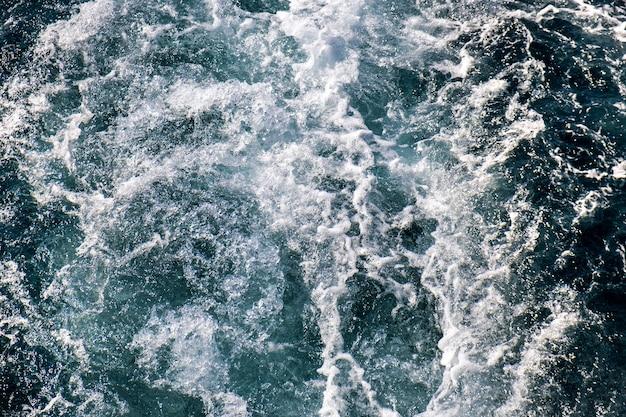 Top-down luchtfoto van het zeewateroppervlak