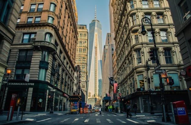 Toren aan het eind van de straat