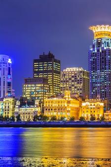 Toren landmarks beroemde wolkenkrabbers parel