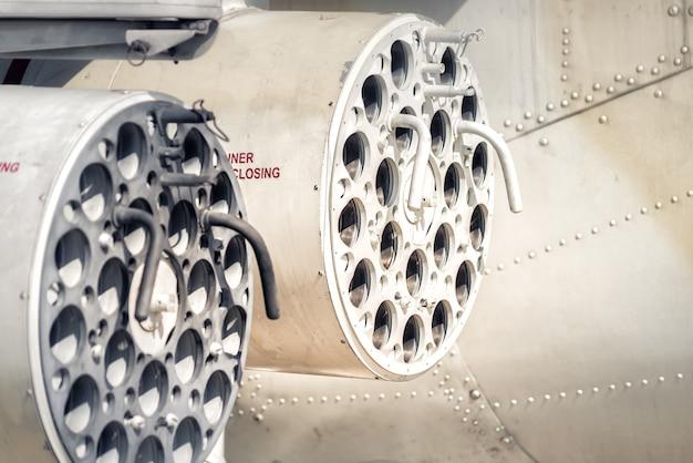 Torentje van het antitankraketsysteem op helikopterkanon