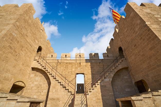 Torres de serrano-torens in valencia
