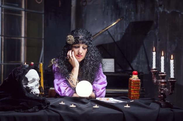Tovenares tijdens het beoefenen van hekserij