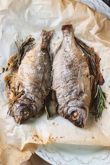 Tow gegrilde vis