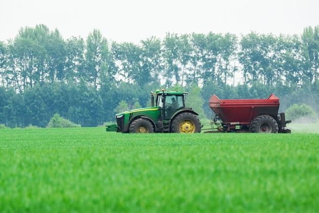 Tractor in het veld