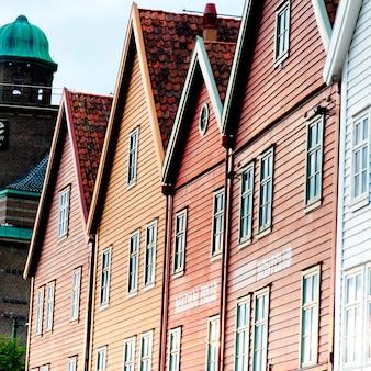 Traditioneel gebouwde gebouwen in bryggen, bergen, noorwegen